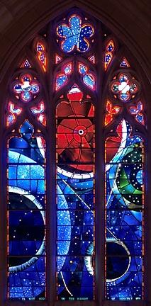 En la antigüedad existía una relación más profunda que la que existe ahora entre la medida del tiempo, la celebración de las fiestas religiosas y la astronomía.  Es por ello que existen curiosas conexiones entre la religión y sus raíces, el cielo y sus movimientos.