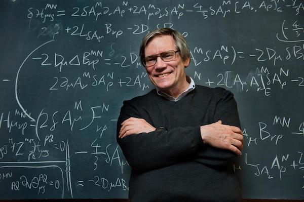 Alan Guth, uno de los padres de la teoría inflacionaria (complemento de la teoría del Big Bang) y todavía uno de sus intensos defensores.